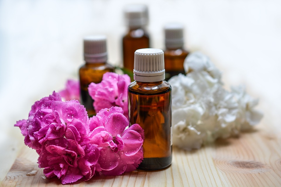 4 Essential Oils For Oral Health